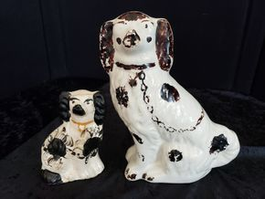 Lot 032 Pd P/U Pair of Staffordshire Black and White Dogs PICK UP IN PECONIC/RIVERHEAD