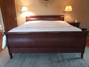 Lot 001 PU/Pd Paypal Sleigh Bed Overall Dimensions Approx. 42.5H x 80.5W x 84.875L  PICK UP IN GARDEN CITY, NY