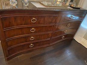 Lot 004 Drexel Heritage 8 Drawer Dresser  78Lx 38Hx20D PICK UP IN HOWARD BEACH PICK UP IN HOWARD BEACH