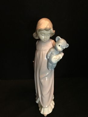 Lot 046 Lladro NAO Pink Standing Girl Holding Teddy Bear. 12.5 Inches. T. PICK UP IN BELLMORE.