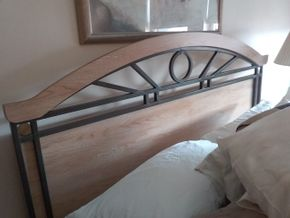 Lot 004 Queen Size Bed Frame PICK UP IN BELLE HARBOR