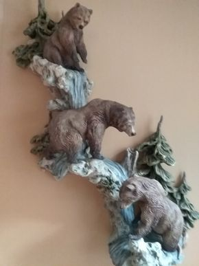 Lot 072 Resin Wall Sculpture Of Bears 32.5 Inches tall PICK UP IN OLD WESTBURY