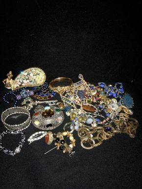 Lot 131 Lot of Costume Jewelry PICK UP IN GARDEN CITY