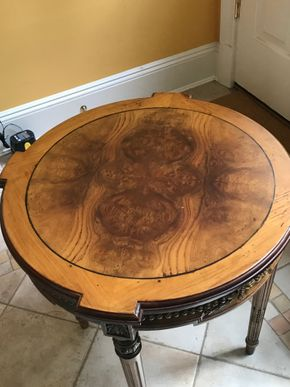 Lot 062 Decorative Burled Wood Side Table 24H x 24 PICK UP IN LAWRENCE