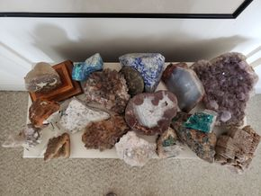 Lot 033 PU-Lot of geodes and specimen rocks PICK UP IN CARLE PLACE,NY