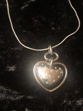Lot 036 Silver Heart Necklace PICK UP IN GARDEN CITY