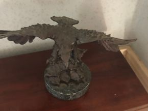 Lot 007 Bronze Sculpture of an Eagle on greenmarble base 20th century 13H x 9W PICK UP IN RVC