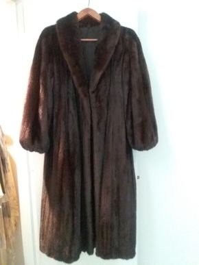 Lot 079 Full Length Ladies Mink Coat Size Small PICK UP IN OLD BROOKVILLE