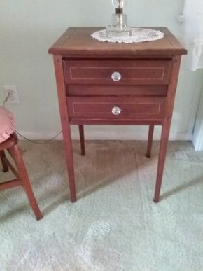 Lot 024 Antique Wood Side Table 28H x 16W x 18L PICK UP IN NORTHPORT