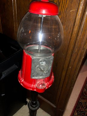 Lot 013 Vintage Gumball Machine on Stand PICK UP IN GARDEN CITY
