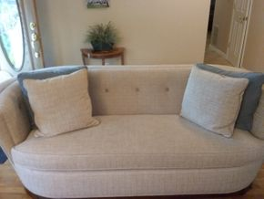 Lot 033 Schnadig Upholstered Sofa 31H x 37Wx 90L PICK UP IN COMMACK