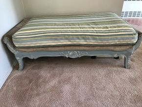 Lot 017 Drexel Heritage Bench. 19H X 29W X54L. PICK UP IN INWOOD.