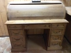Lot 019 Roll Top Desk 42H x 24W x 48L PICK UP IN NORTHPORT