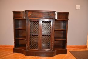 Lot 008 MAHOGANY DESK AS IS  36.5W X 15W X 48 L PICK UP IN PORT WASHINGTON
