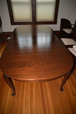 Lot 031 Wood Dining Table 29.5H x 42W x 64L/2-Leaf 12W and Pads PICK UP IN ROCKVILLE CENTRE, NY