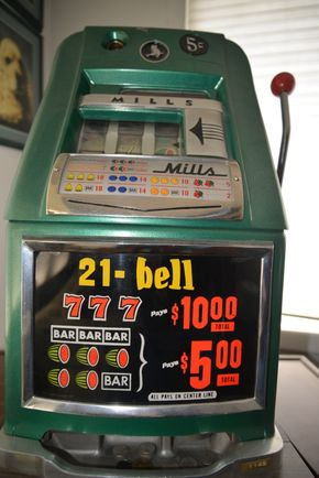 Lot 026 1930s Mills 5 Cent Green Color Compact Slot Machine 25H x 16.75W x 15L PICK UP IN GARDEN CITY