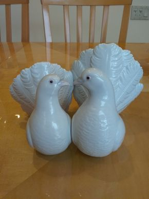 Lot 016 Pair of Lladro Doves 4.5 x9 PICK UP IN OCEANSIDE