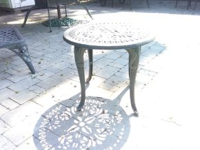 Lot 043 Metal End Table 18H x 21 In Diameter PICK UP IN N BALDWIN