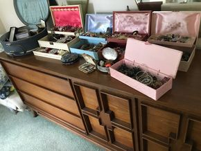 Lot 012 Lot Of Assorted Costume Jewelry. PICK UP IN STONY BROOK.