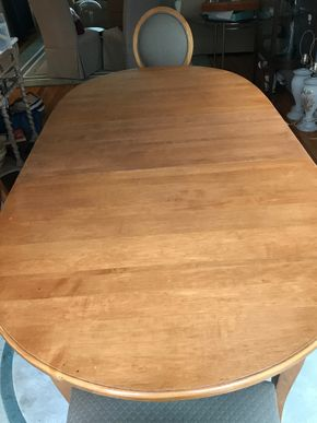 Lot 109 Ethan Allan Dining Room Table with 2 18 Inch leaves 29H x 43W x 75L PICK UP IN GARDEN CITY