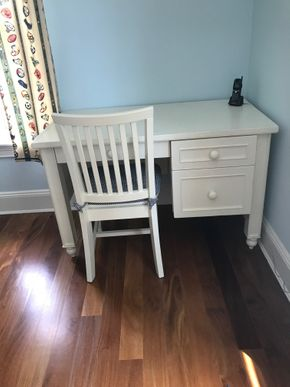 Lot 093 Pottery Barn Desk DOES NOT INCLUDE CHAIR PICK UP IN LAWRENCE