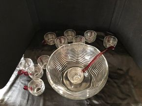 Lot 015 Glass Champagne Punch Bowl and Ladle ITEMS MUST BE PICKED UP IN LONG BEACH