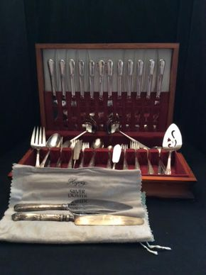 Lot 062 Holmes and Edwards Silver Plate Flatware ITEM CAN BE PICKED UP IN GARDEN CITY