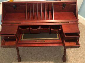 Lot 090 Mahogany Writing Desk 36W x 17.5D x 32H