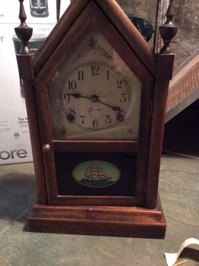 Lot 046 Sessions Vintage Clock  ITEM CAN BE PICKED UP IN DOUGLASTON