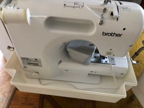 Lot 043 Brother Sewing Machine Model CS55055PRN 20 inches Long w/case/cover PICK UP IN NORTH BABYLON