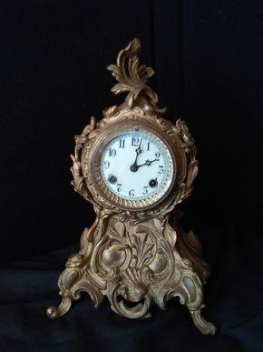 Lot 043 Mantel Clock Missing One Foot 14H x 5W x 8.5L WEST HEMPSTEAD