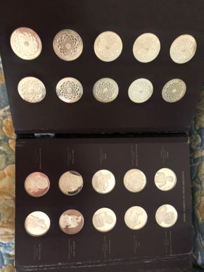 Lot 023 Franklin Mint Set of Sterling Silver Michael-Angelo medallions  PICK UP IN RVC