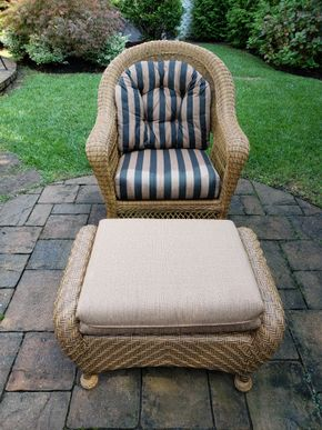Lot 025 Wicker Armchair 38H x 33.5W x24.5D and Ottoman 17H x 20W x 30D PICK UP IN ROCKVILLE CENTRE, NY