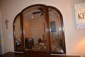 Lot 008 Tri Fold Dresser Mirror 48H x 54.5W x 2L approx.PICK UP IN MALVERNE,NY