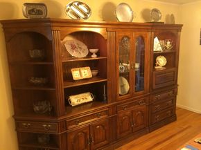Lot 027 Large 5 Piece Wall Unit 76H x 18W 132L PICK UP IN WESTBURY
