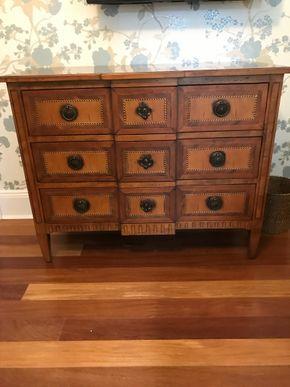 Lot 059 3 Drawer Wood Dresser 34H x 20W x 42.5L PICK UP IN LAWRENCE