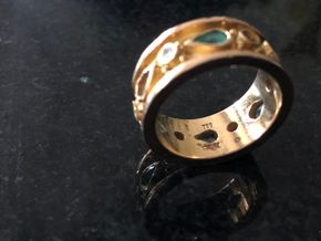 Lot 017 18K Yellow Gold Band missing stones PICK UP IN GARDEN CITY