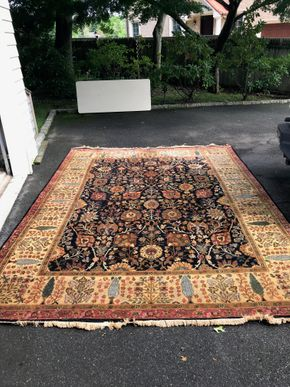 Lot 040 Large Handmade Rug 8.5 X 11 PICK UP IN LAWRENCE