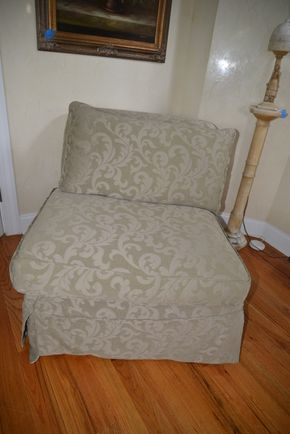 Lot 001 Upholstered Armless Chair 31.5H x 32W x 30L  PICK UP IN MALVERNE,NY