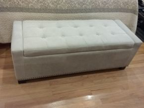 Lot 035 Upholstered Storage Bench 18X 20 X 51.5 PICK UP IN OCEANSIDE
