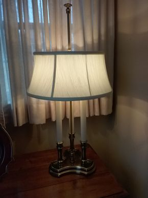Lot 024 Brass Table Lamp 34 Inches Tall PICK UP IN GARDEN CITY