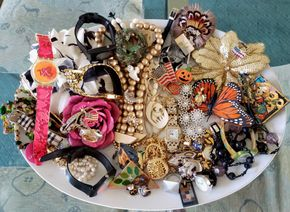 Lot 014 PU-Pay at Tag Sale/ Large Lot of Costume Jewelry PICK UP IN CARLE PLACE,NY