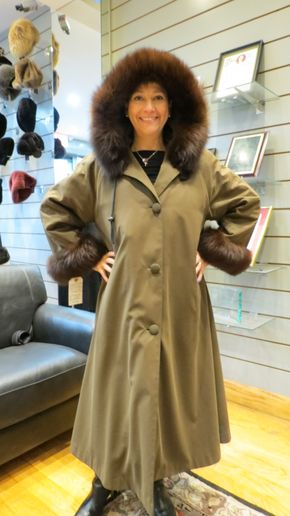 Lot 038 Lodin Green w/ Nutria Fox Trim Hood and Cuffs Size 12 Length 47in Sleeve 28in Sweep 75in Detachable Fur Liner Vest Style Rebecca - - Nutria is detachable  an can be worn as a long vest or rain coat with no fur liner in warmer weather