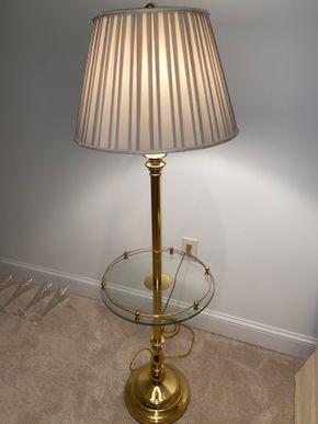 Lot 040 Brass floor table lamp 57 IN H X 17 IN DIAM PICK UP IN HUNTINGTON
