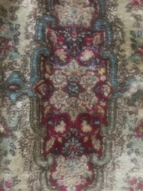 Lot 030 Handmade Persian Rug 48W x 81L  PICK UP IN NORTH BABYLON