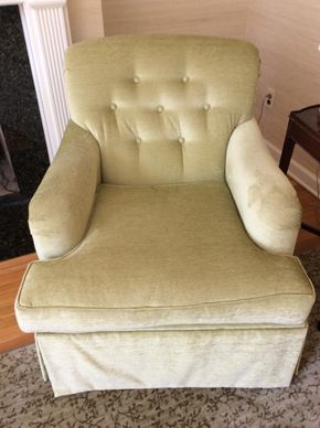 Lot 005 Green Microfiber Fabric Swivel Chair 34H x 39 x 29L PICK UP IN CENTERPORT