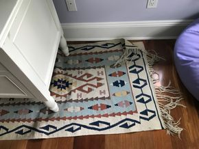Lot 085 RUG 127X 32 PICK UP IN LAWRENCE