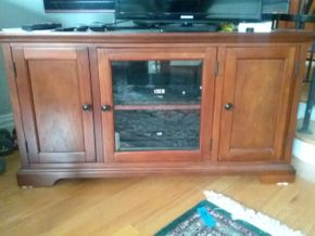 Lot 058 Corner Cabinet Entertainment Center 25.5H x 20.5W X 46L  PICK UP IN GARDEN CITY