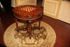 Lot 052 Round Game Table 32x30  ITEMS CAN BE PICKED  UP IN WESTBURY